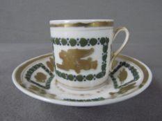 Antike Tasse mit Untertasse
