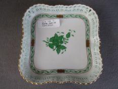 Mittelgroße Servierplatte Herend grün mit Durchbrucharbeit ca.17,5x17,5cm