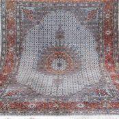 Teppich, Kashmar, Persien, hellgrundig mit Heratizeichnung, mit zentralem Medaillon u.floralen