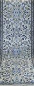 Persischer Nainläufer, hellgrundig, mit durchgehendem Muster, 1 Kante belaufen, gereinigt,300x80