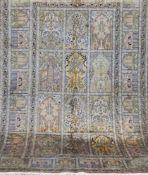 Kaschmir, Seide, mehrfarbig, mit floralem Bildmotiv, 1 Kante sowie 1 Ecke belaufen,gereinigt,