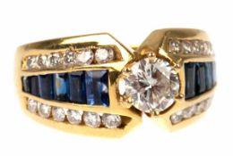 Brillant-Saphir-Ring, 750er GG, gefächerte Ringschiene mit zentralem Brillantsolitär von0,5 ct, vsi,