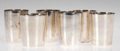 "6 Schnapsbecher, 800/835er Silber, 2x mit Namenzug ""Stefan"", dat. 1952, ges. 107 g, H. 4cm - 4,2 cm"