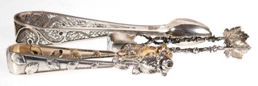 3 diverse Zuckerzangen, 800er Silber, mit Weinlaub- und Rosendekor bzw. filigrandurchbrochen, ges.