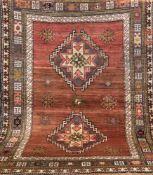 Kars, Anatolien, Wolle auf Wolle, dunkelgrundig, mit zentralem Medaillon, Kanten belaufen,z.T. rep.,