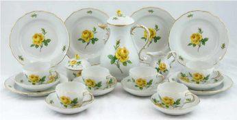 Meissen-Kaffeeservice für 6 Personen, Gelbe Rose mit Goldrand, Neuer Ausschnitt, bestehendaus