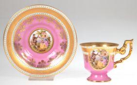 Mokkatasse mit Untertasse, Wien, rosafarbener Fond und reich vergoldet, feineMiniaturmalerei