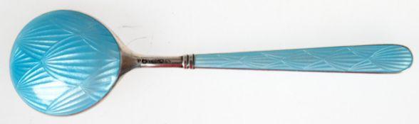 Löffel, 916er Silber mit hellblauem Guilloche-Emaille, punziert, ca. 29 g, L. 13 cm