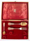 Kinderbesteck, 3-teilig, Moskau um 1900, 84 Zol. Silber, Meister Ovcinnikov, ca. 126 g,vergoldete