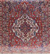Bachtiar, Persien, rotgrundig mit zentralem Medaillon u. floralen Motiven, 225x153 cm