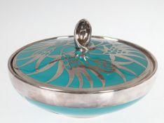 Deckeldose, Fürstenberg, türkisfarben mit 1000er, floral gestalteter Silberauflage, Fr. W.Spahr,