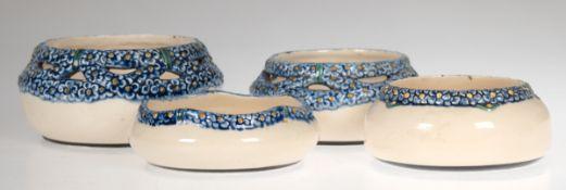 Konvolut von 4 Schälchen, Karlsruher Keramik, gemarkt, polychrom bemalter, floralerReliefdekor, 2x