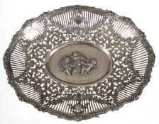 Schale im Barokstil, um 1935, 800er Silber, oval Form, durchbrochen, mit Puttenrelief,Widmungsgravur