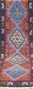 Yalameh, Persien, farbenreich mit zentralem Muster u. floralen Motiven, 310x87 cm
