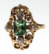 Ring, 585er GG/WG, floral durchbrochener Ringkopf besetzt 1 Turmalin im länglichenScherenschliff von
