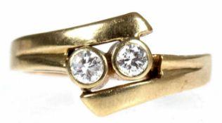 Ring, 585er GG, 2 Brillanten zus. ca. 0,40 ct., RG 60, Innendurchmesser 19,1 mm, Gew. 5,2 g Ring,
