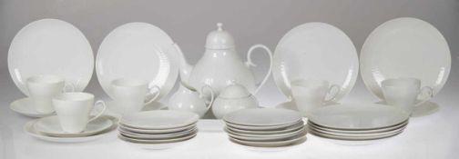 Rosenthal-Service, Romanze in Weiß, bestehend aus Teekanne (mit Riß), 5 Kaffeetassen, 18 UT (1x