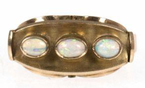 Ring, um 1920, 585er GG, 3 Edelopale, intensives Farbspiel, RG 53, Innendurchmesser 16,8 mm, Gew.