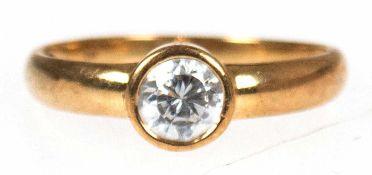 Ring, 333er GG, 1 Zirkonia ca. 0,5 ct., Gew. 1,7 g, RG 54, Innendurchmesser 19,7 mm,