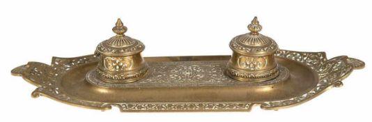 Historismus-Schreibtischset, Bronze, E.S.Jassoy, 2 Tintenfässer, ovale Form mit Reliefdekor und