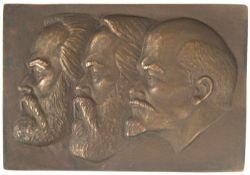 """Relief-Kopfporträt """"Marx, Engels und Lenin"""", Bronze, im Etui, mit der Innschrift """"Überreicht vom"""
