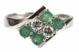 Ring, 585er WG, Gew. ca. 3,9 g, 4 Smaragde ca. 0,60 ct., 2 Brillanten 0,24 ct., punziert,