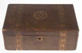 Schatulle, Holz, Deckel mit Floralintarsie, innen 2 Fächer, Schließe defekt,