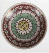 Schale, China, Ming Dynastie, polychrome Bemalung in Braun, Grün und Gelb, 2 kl. Haarrisse