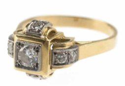 Art-Deco-Ring, 585er GG/WG, besetzt mit zentralem Brillanten von 0,30 ct, vsi/vvsi, sowie