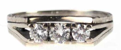 Ring, 585er WG, Gew. ca. 4,8 g, 3 Brillanten ca. 0,50 ct., ca. TW/vvsi-vsi, RG 60,