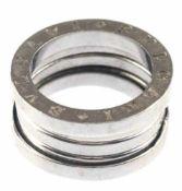 Ring, 585er WG, in der Breite durch bewegliches, spiralförmiges Mittelteil variable