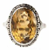 Ring, 333er GG, Goldtopas in Silber-Fassung, um 1920/30, Ringkopf ca. 2,0 x 1,5 cm, RG