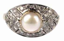 Ring, 750er GG/WG, Gew. ca. 4,9 g, im Art-Deco-Stil, echte Perle, Brillanten 0,48 ct., RG