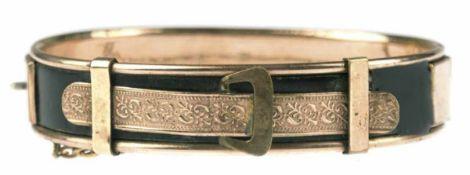 Biedermeier-Armreif, in Form eines Gürtels, Golddouble, schwarz emailliert, mit leichten