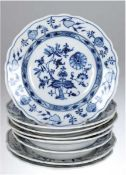 2 Speiseteller und 6 Suppenteller, C.Teichert, Zwiebelmuster, (3x best. bzw. repariert),Dm. 2