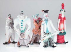 """5 Meissen-Figuren """"Clown-Kapelle"""", Entwurf Peter Strang, bestehend aus Gitarrist,Saxofonist,"""