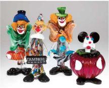 4 diverse Murano-Figuren, dabei 3 Clowns und 1 Micky Maus, farbiges Glas bzw. farbigeEinschm