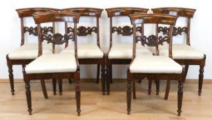 6 Biedermeier-Stühle, Mahagoni, frontseitig gedrechselte, geriffelte Beine, gepolsterterSitz