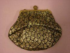 Kleine Ausgehhandtasche, Brokatstoff, schwarz/gold, ca. 15x13 cm