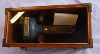 Hand-Compass im Holzkasten, Henry Browne & Son Ltd., Trade Sesstrel Mark No. 8049, Hand-Compass im