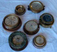 Konvolut von 7 verschiedenen Kompassen, Dm. Ca. 9-14 cm, teils ohne Glasabdeckungen