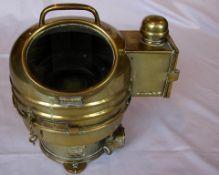 Compass im Messinggehäuse, bezeichnet: Patt 43 Bearing Plate K.(H), AFT, H.ca. 24 cm