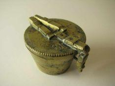Bechergewichtssatz, 19. Jahrhundert, gem., kleinstes Gewicht fehlt, h 4 cm, d 5,5 cm.