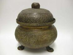 Deckelgefäß, Orient, 19. Jahrhundert, Messingguss reich verziert, h 20 cm, d 18 cm.<b