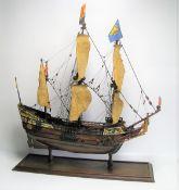 Modellschiff im Glaskasten, 59 x 53 x 15 cm.Modellschiff im Glaskasten, 59 x 53 x 15 cm.