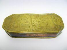 Tabakdose, Niederlande, 18./19. Jahrhundert, Messing und Kupfer, graviert, 3 x 14 x 6 cm.