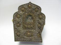 Antiker Reisealtar/Schrein, Tibet/Nepal, Kupfer versilbert, altersbedingte Gebrauchsspuren, gedellt,