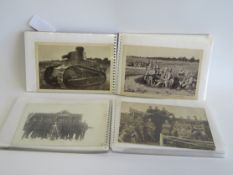 2 Mappen mit ca. 84 diversen Militärfotografien und -postkarten, 1. Weltkrieg.