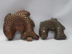2 Gugelhupfformen in Form von Fischen, 19. Jahrhundert, Kupfer, 24 x 26/18 x 20