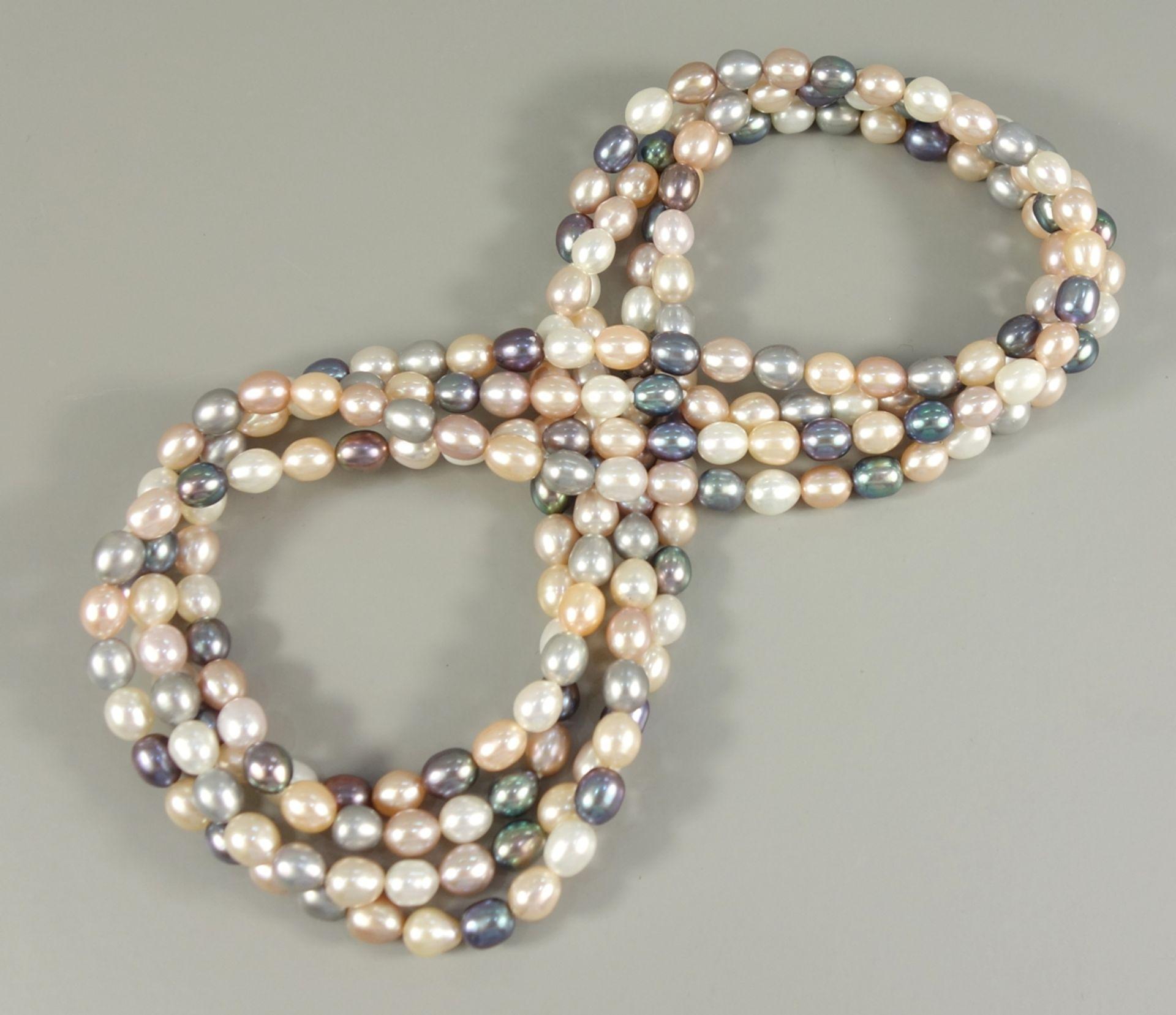 lange Perlenkette mit ovalen Perlen, mehrfarbig, L.175cm, ca.230 Perlen, silbergrau, creme und